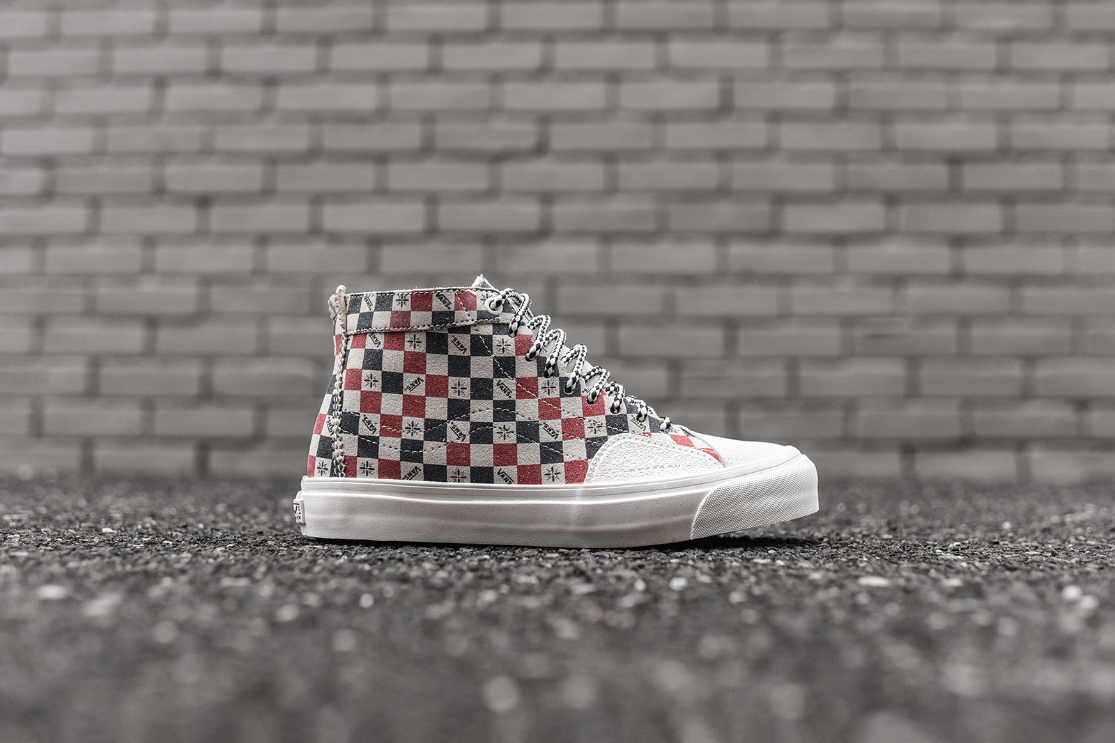 vans sk8 hi red checkerboard
