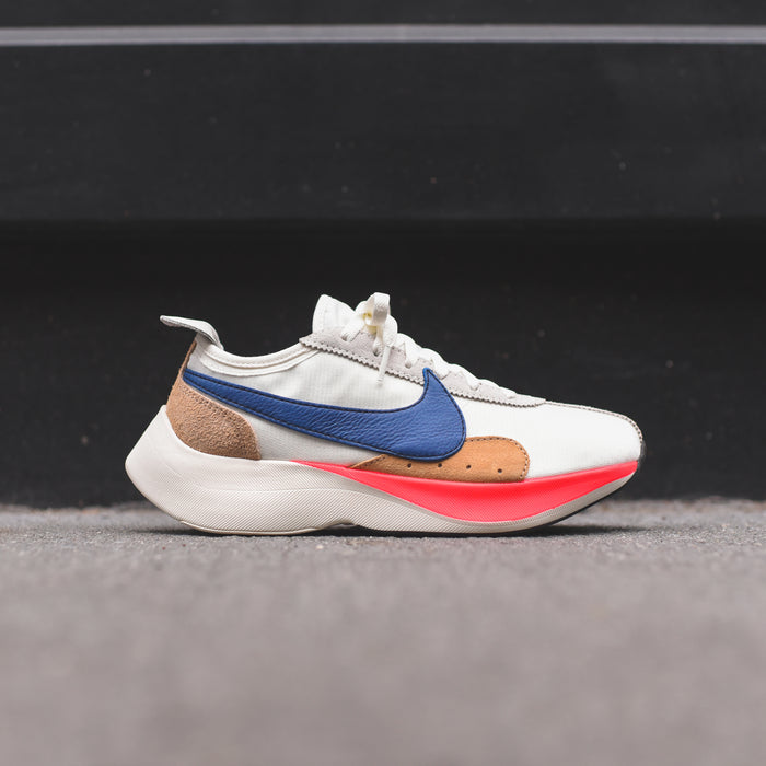 Nike Moon Racer QS - Sail / Gym Blue / Solar Red / Praline