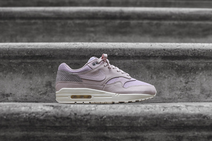 NikeLab Air Max 1 Pinnacle - Silt Red / Pearl Pink / Arc