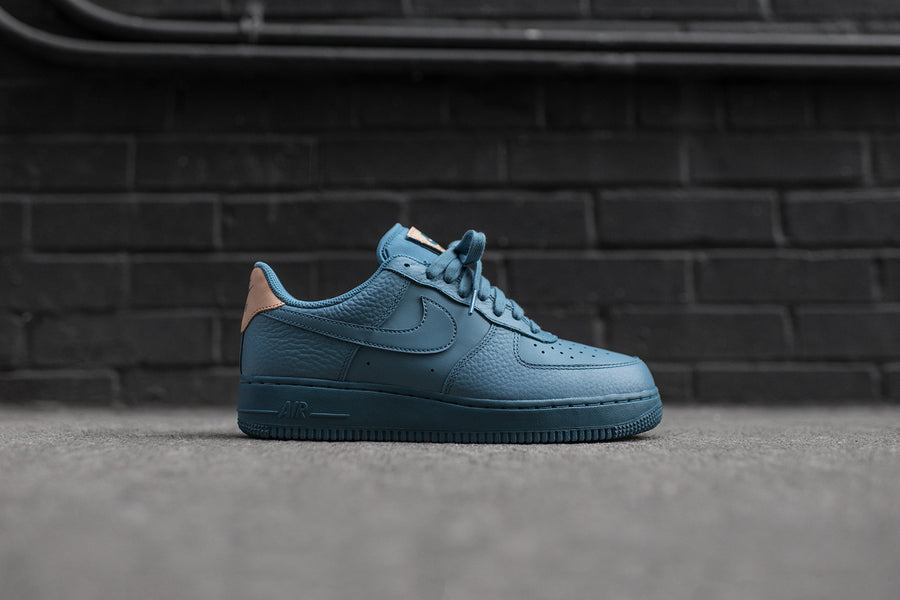 Nike Air Force 1 '07 LV8 - Smokey Blue