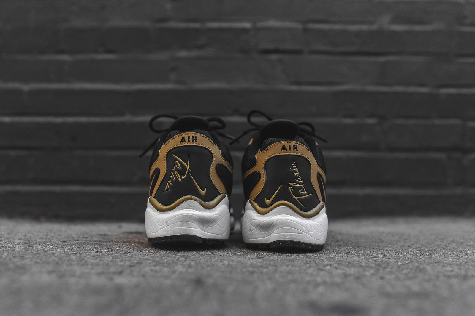 Nike Air Zoom Talaria - Black / Gold