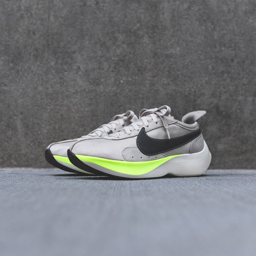 Nike Moon Racer - String / Black / Sail / Volt