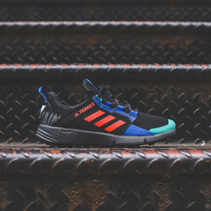 adidas Consortium x White Mountaineering Agravic Speed + - Core Black / Active Orange Image 1