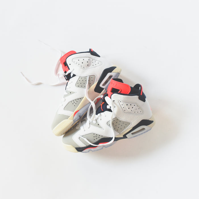 Nike GS Air Jordan 6 Retro - White / Infrared / Neutral Grey