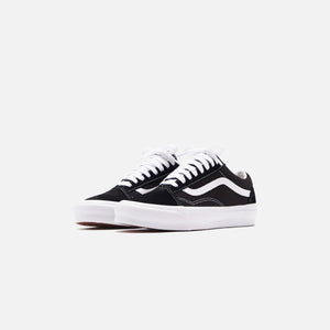 Vans UA OG Old Skool LX - Black / True White Image 3