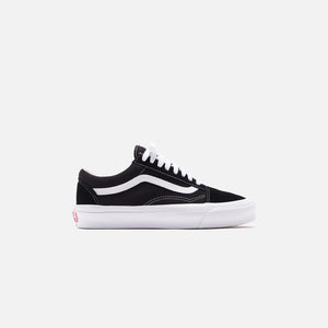 Vans UA OG Old Skool LX - Black / True White Image 1