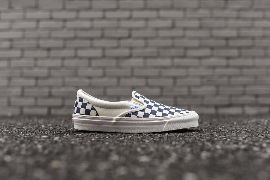 Vans OG Classic Slip-On LX - White / Navy