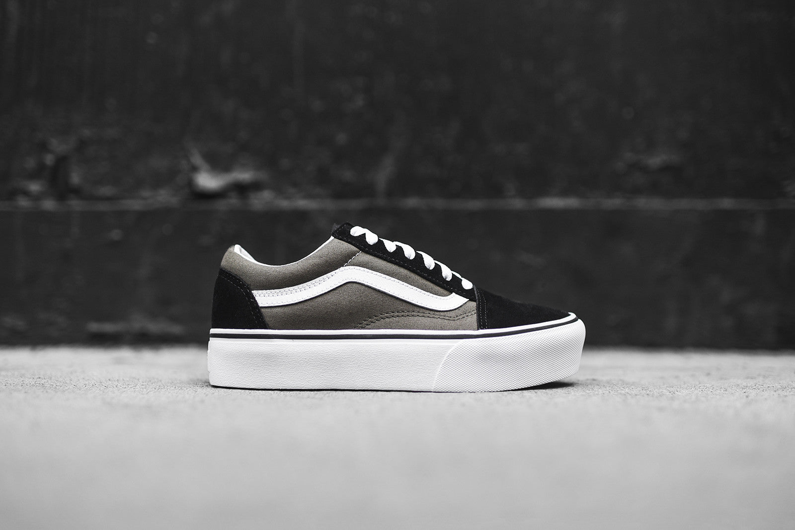 Vans WMNS Old Skool Platform - Grape Leaf / True White