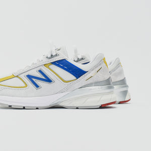 New Balance WMNS Made in USA 990 V5 - Nimbus Cloud / Team Red