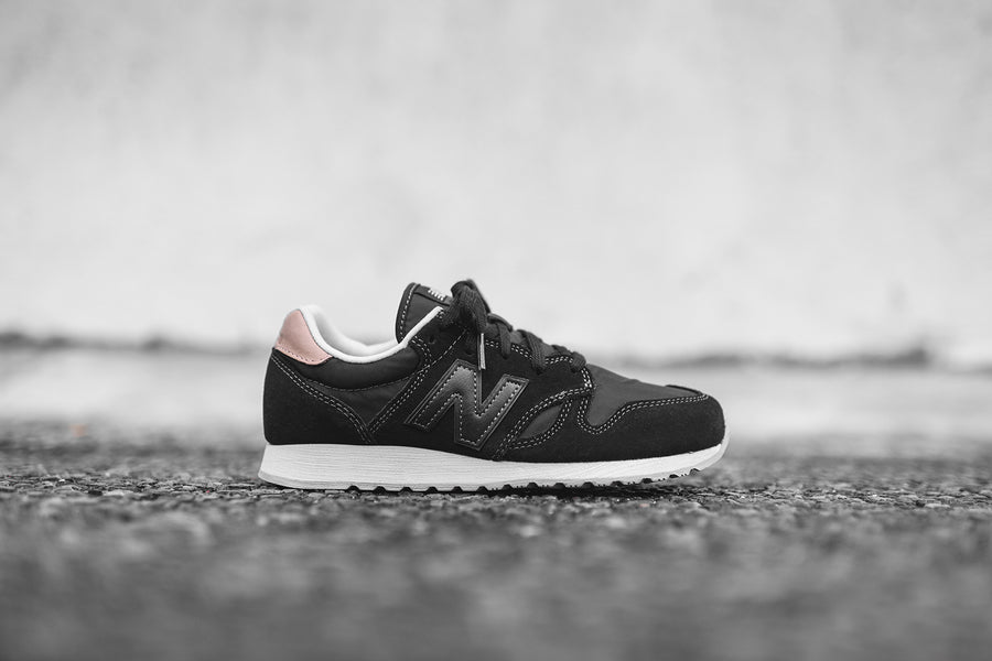 New Balance WMNS 520 - Black / Veg Tan