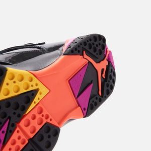 Nike WMNS Air Jordan 7 Retro - Black / Bright Crimson / Anthracite