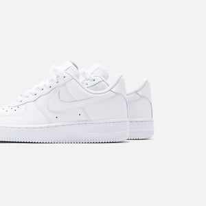 Nike WMNS Air Force 1 '07 Low - Triple White Image 5