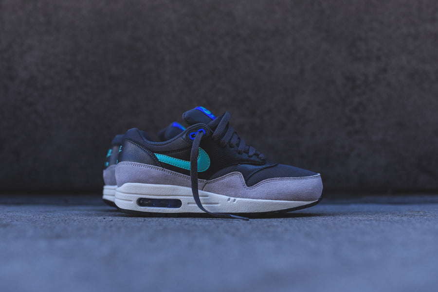 Nike WMNS Air Max 1 Essential - Dark Grey / Hyper Jade