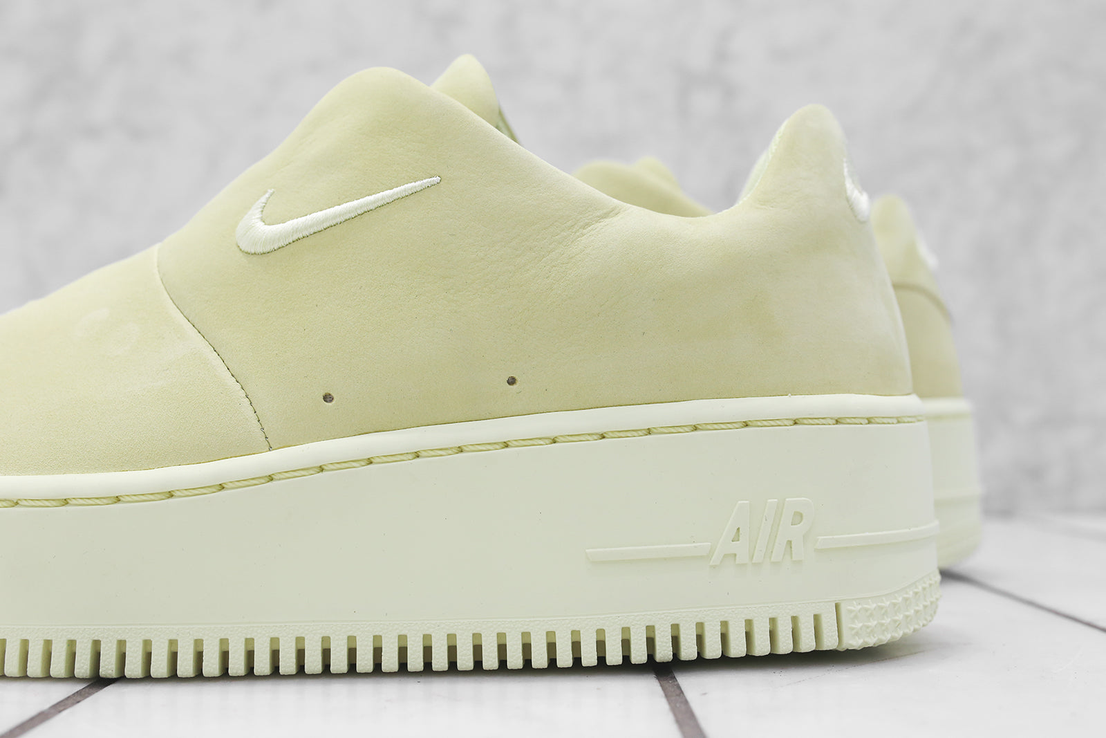 on sale 804e3 9cca2 Nike WMNS Air Force 1 Sage XX - Luminous Green