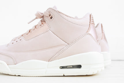Nike WMNS Air Jordan 3 Retro SE - Particle Beige / Metallic Red