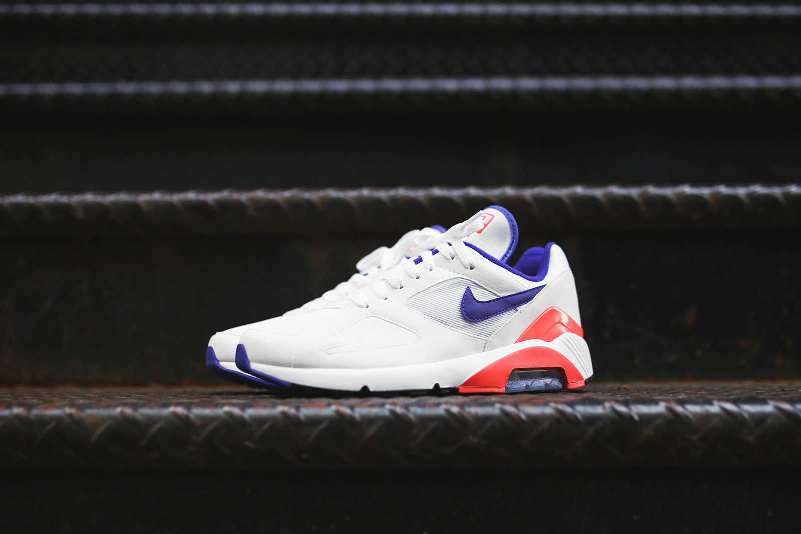 nike air max blue red and white
