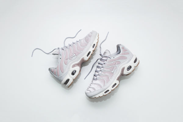 Nike WMNS Air Max Plus Lux - Rose / White
