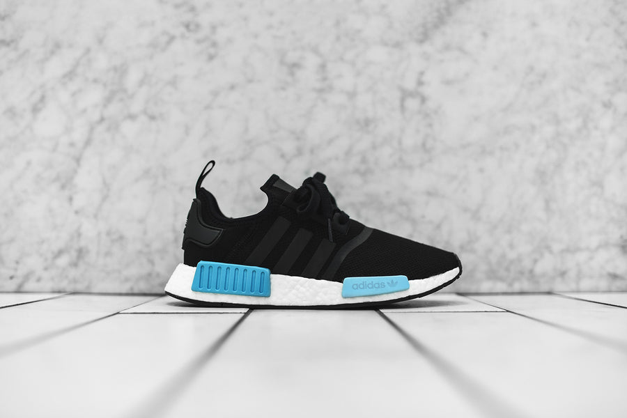 adidas Originals WMNS NMD_R1 - Black / Sky / White