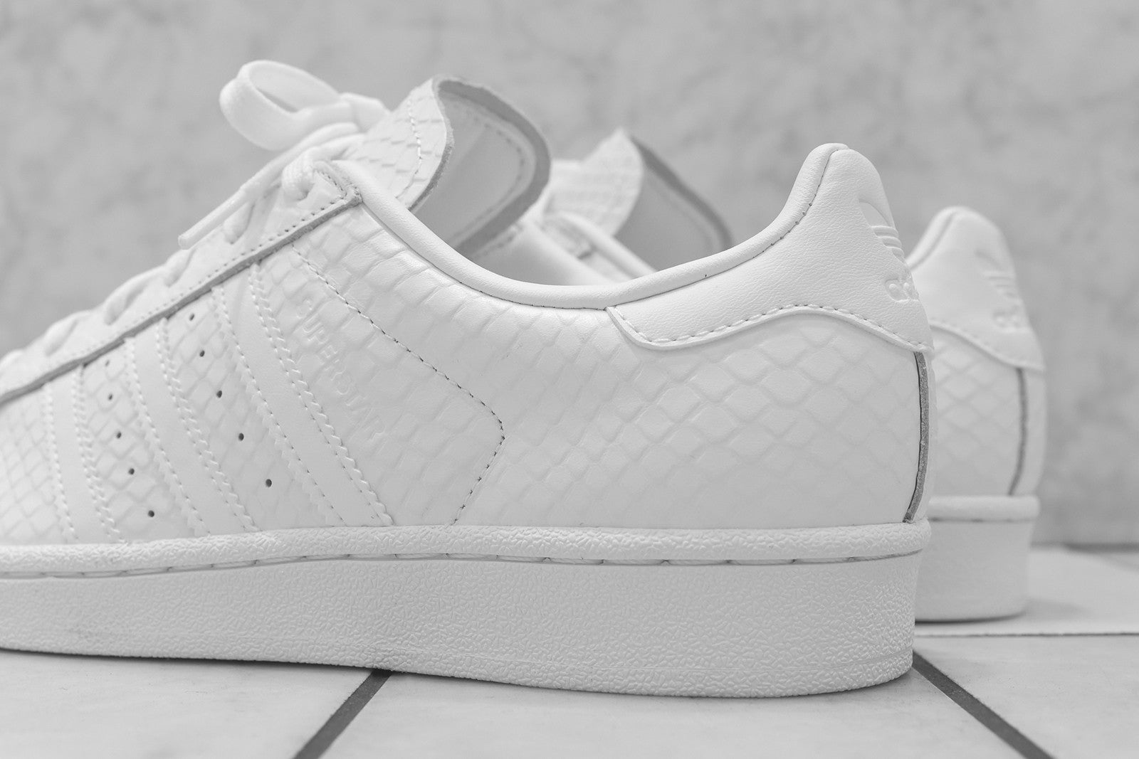 adidas Originals WMNS Superstar Snakeskin - Triple White