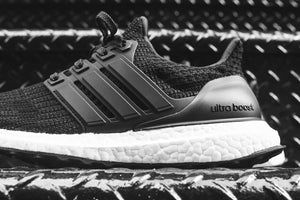 adidas WMNS Ultraboost 4.0 - Black / White