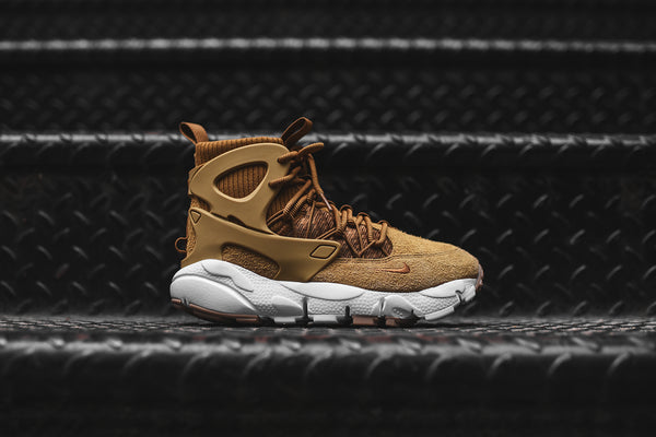 Nike WMNS Air Footscape Mid Utility - Wheat / White
