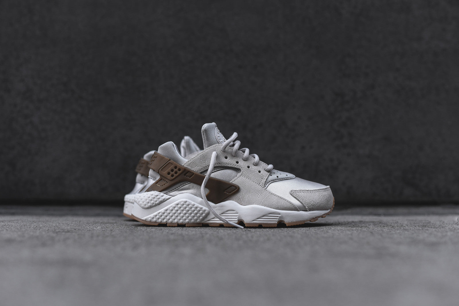 Nike WMNS Air Huarache Run PRM - Gamma Grey