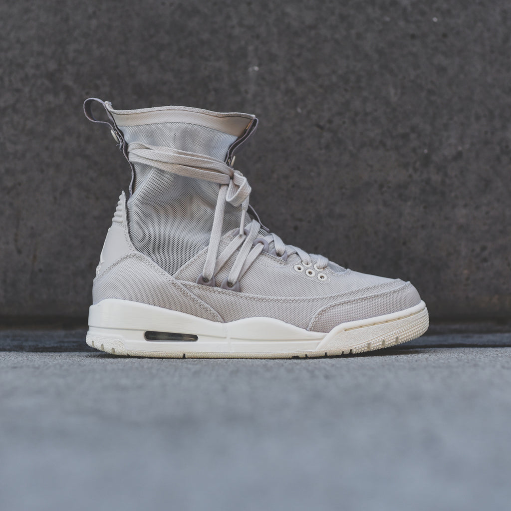 the latest e0093 4e40b Nike WMNS Air Jordan 3 Explorer Lite - Desert Sand / Pale Ivory