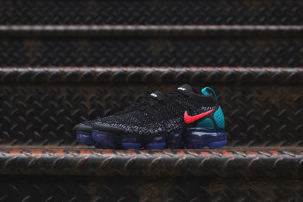 Nike WMNS Air VaporMax FK 2 - Black / Red / Dust
