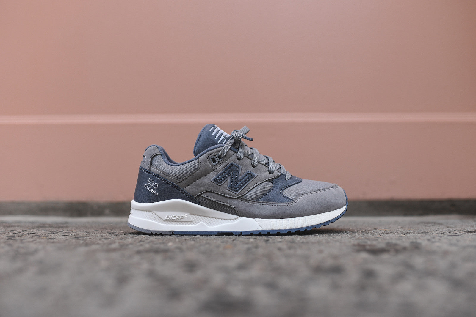 New Balance WMNS 530 - Steel Grey / Navy