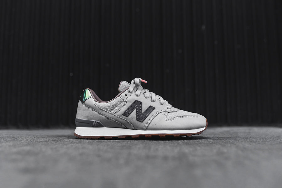 New Balance WMNS L696GFR - Grey