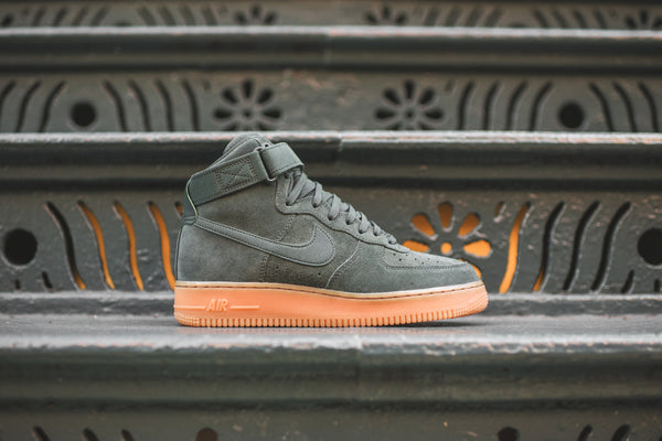 Nike WMNS Air Force 1 High SE - Olive / Gum