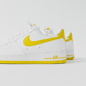 Nike WMNS Air Force 1 '07 - White / Bright Citron Image 5