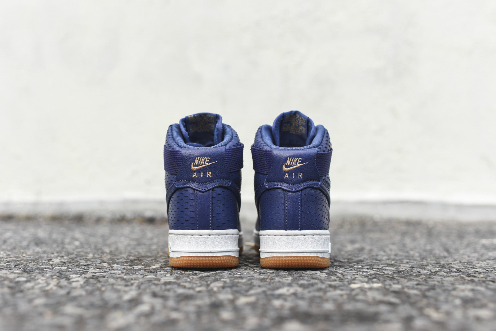 Nike WMNS Air Force 1 '07 High - Dark Purple Dust / Gum