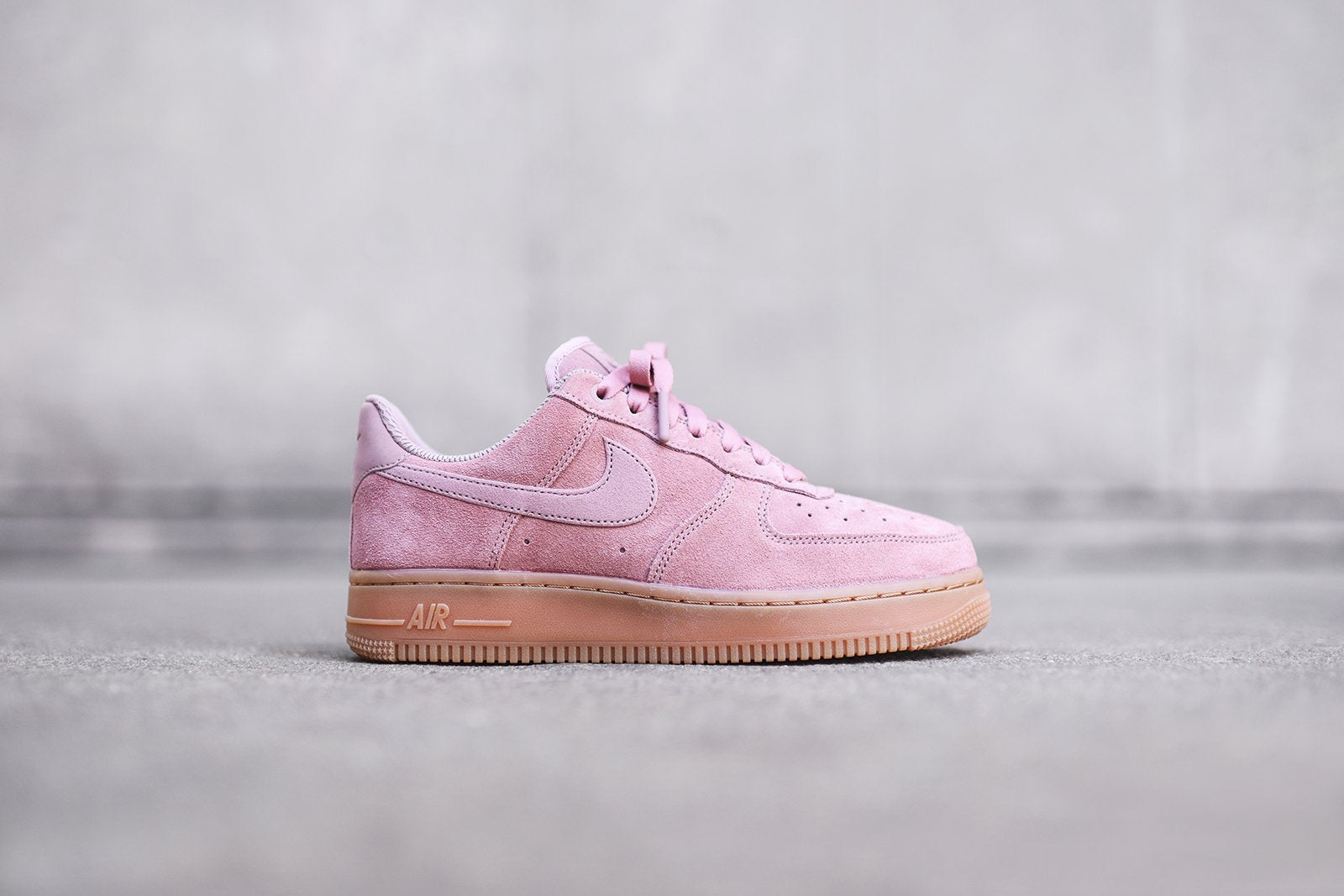 new concept 29c2c 07152 Nike Air Force 1 LV8. Pink   Gum