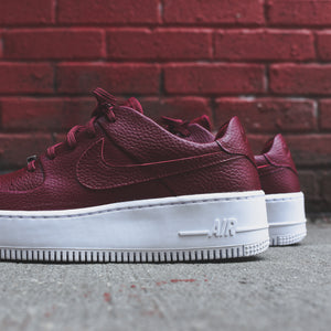 Nike WMNS Air Force 1 Sage Low - Team Red