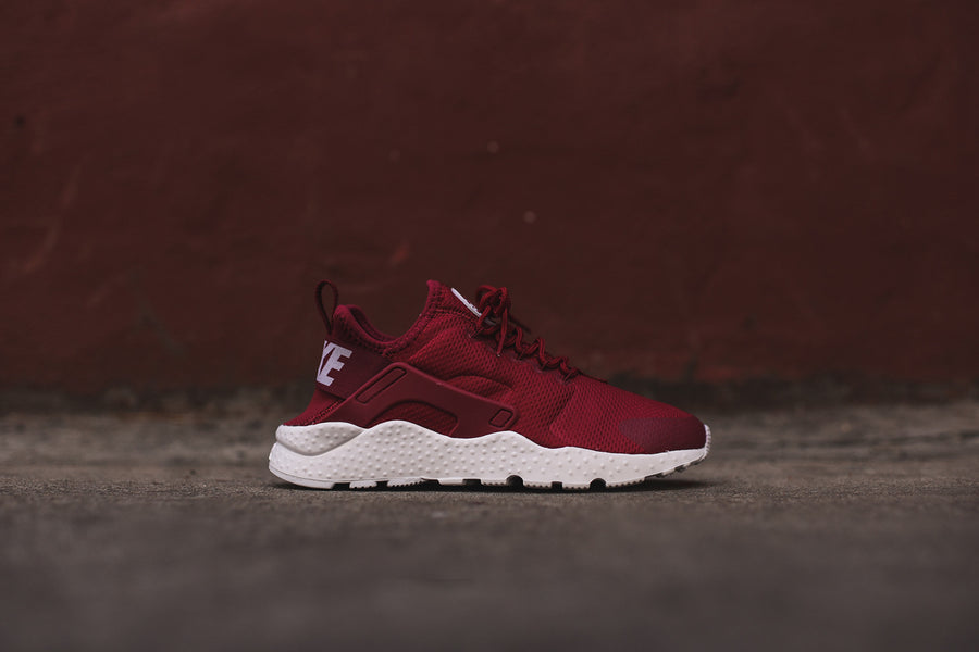 Nike WMNS Air Huarache Run Ultra - Noble Red