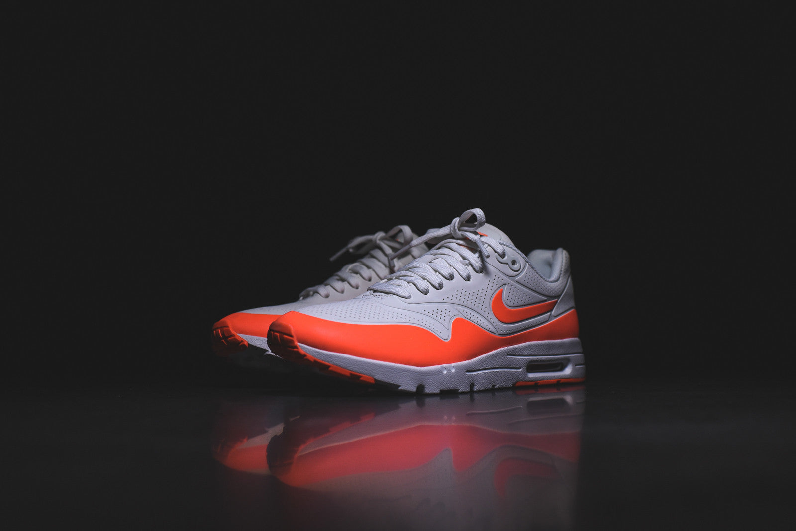 Nike WMNS Air Max 1 Ultra Moire - Summit White / University Red