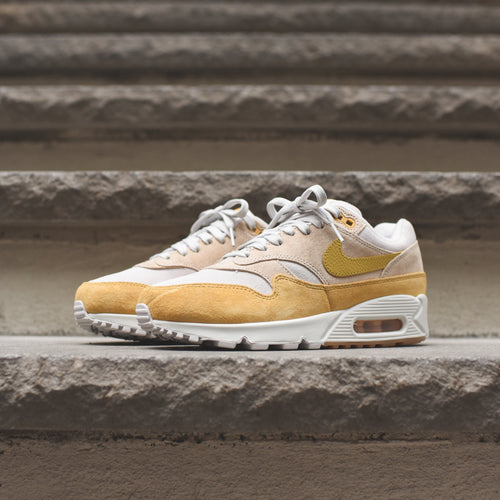 Nike WMNS Air Max 90/1 - Guava Ice / Wheat Gold / Summit White