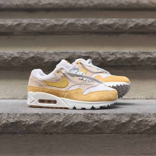 f404e00fe8cb ... Nike WMNS Air Max 90 1 - Guava Ice   Wheat Gold   Summit White ...