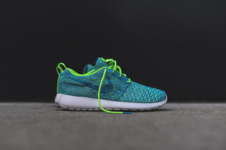 Nike WMNS Roshe One Flyknit - Electric Green