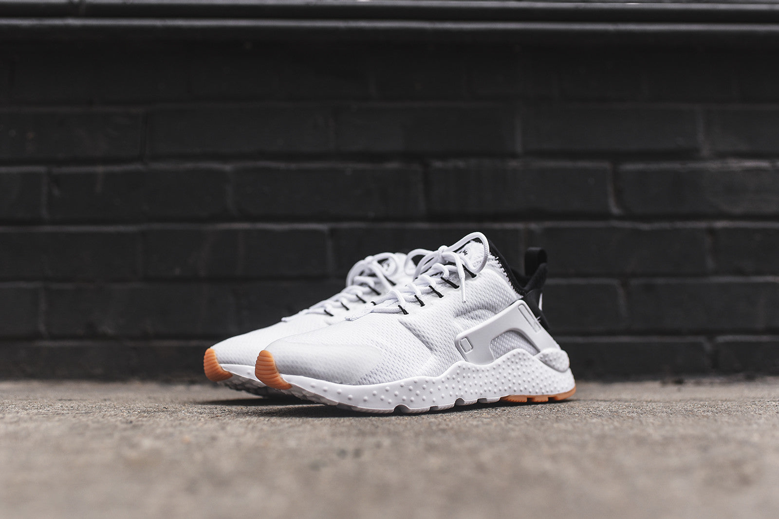 Nike WMNS Huarache Run Ultra - White / Black