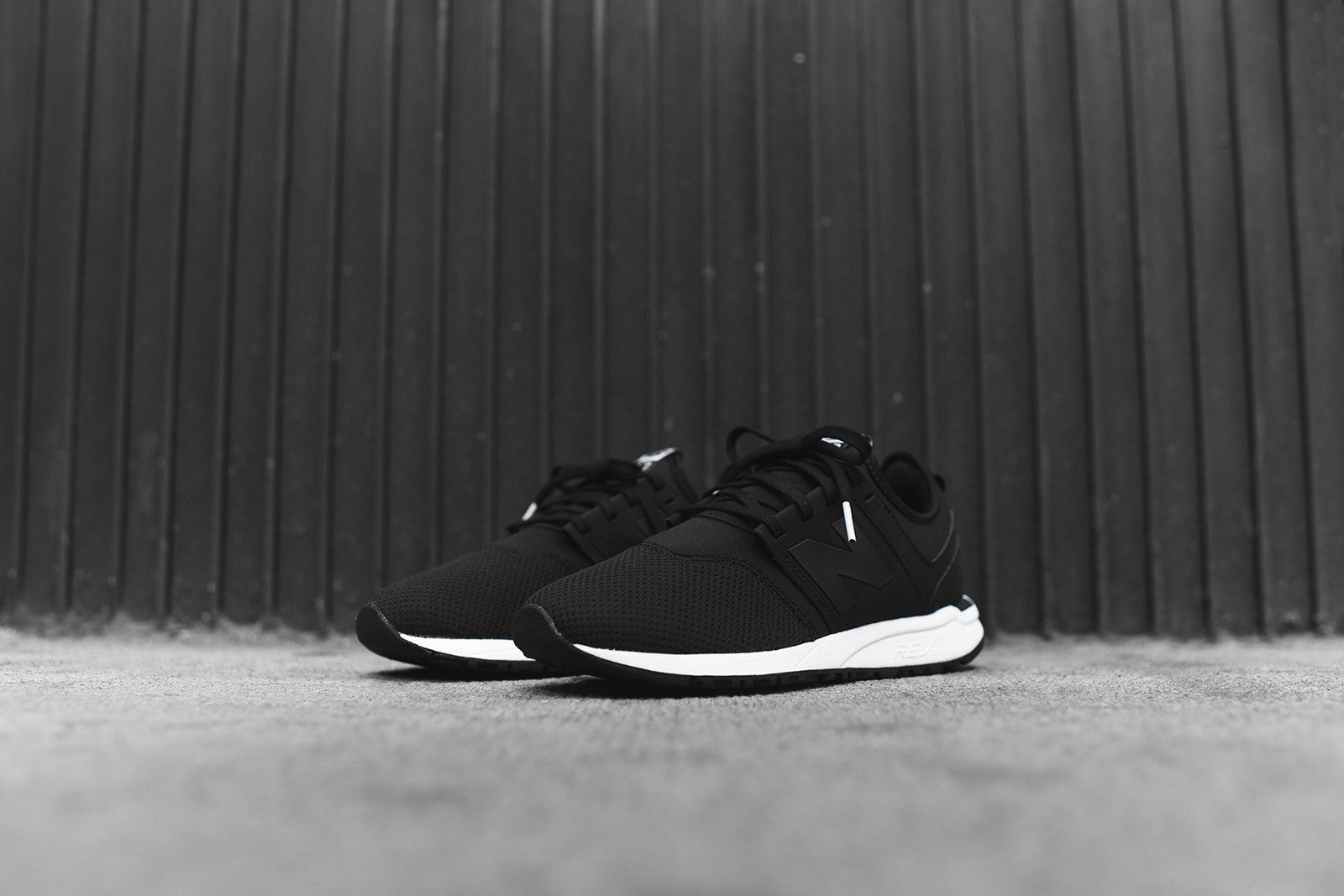 New Balance WMNS RL247FA - Black