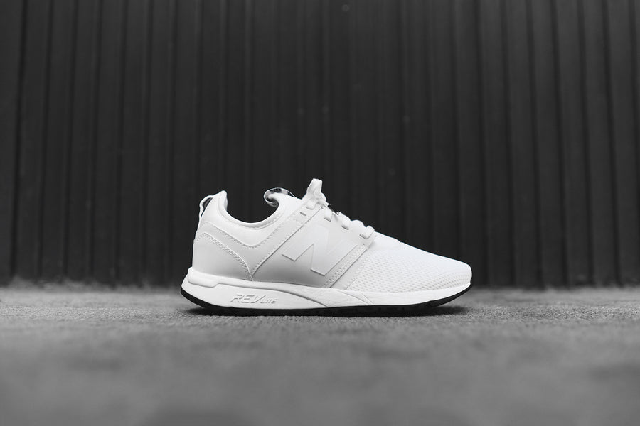New Balance WMNS RL247FB - White