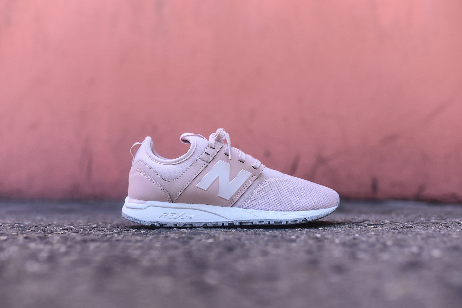 ladies new balance 247