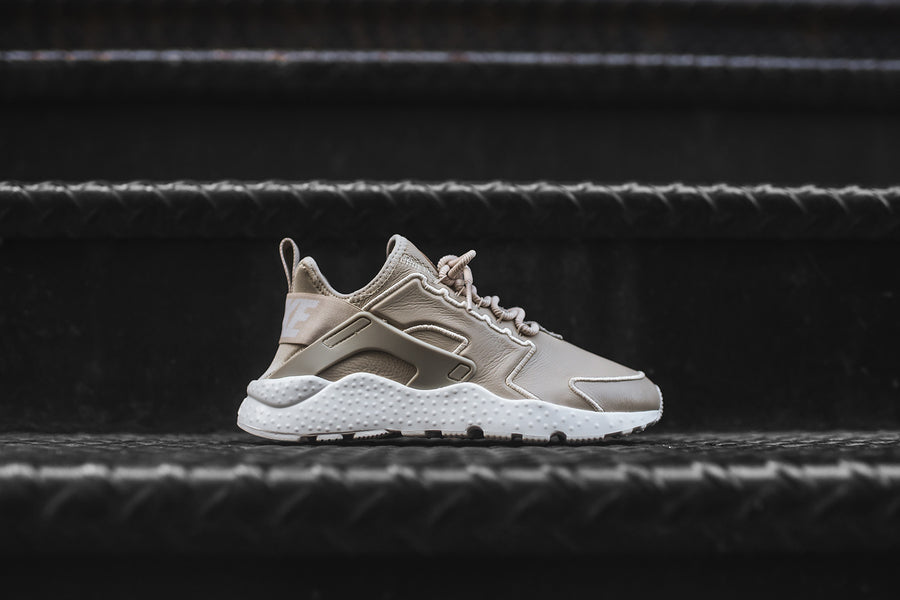 Nike WMNS Air Huarache Run Ultra SI - Oatmeal