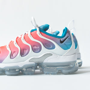 new styles a56b6 c394b Nike WMNS Air VaporMax Plus - Pink Sea – Kith