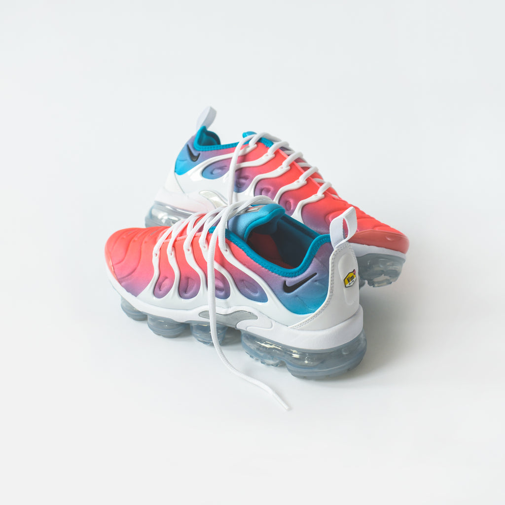 new product 77ed5 13cee Nike WMNS Air VaporMax Plus - Pink Sea
