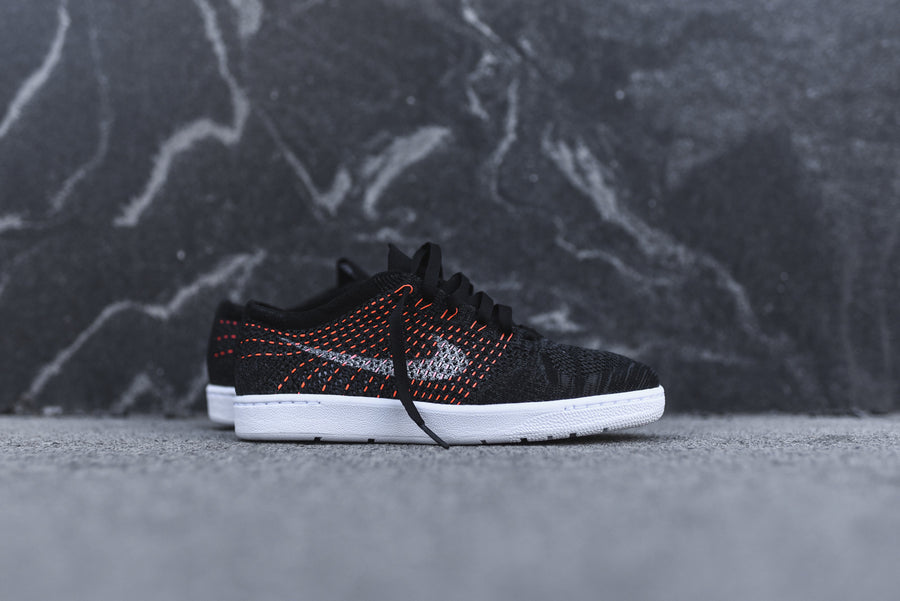 Nike WMNS Tennis Classic Ultra Flyknit - Anthracite / White