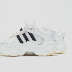 adidas Originals WMNS Tephra Runner - White / Core Black / Grey Two