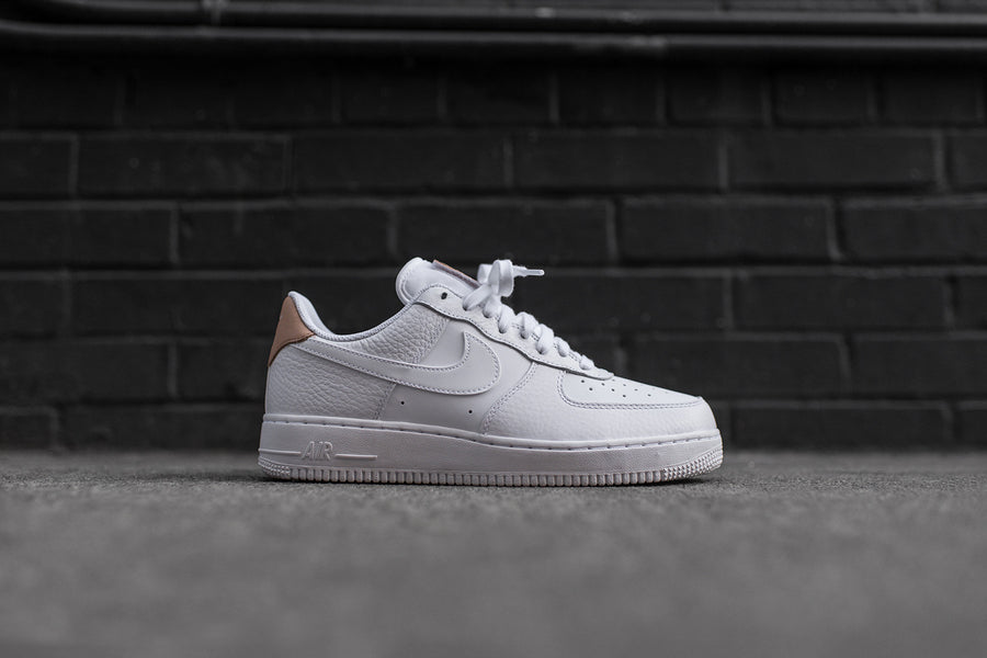 Nike Air Force 1 '07 LV8 - White / Vachetta Tan
